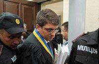 Суд оставил Тимошенко сидеть и попрощался до завтра