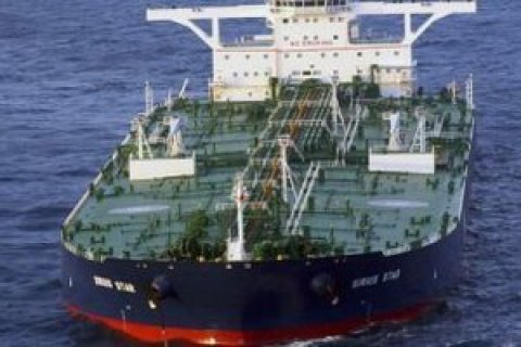 Упобережья Бельгии столкнулись два нефтяных танкера