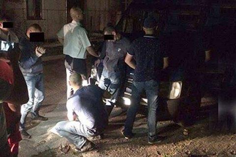 ВоЛьвове задержали полицейского, который вел торговлю наркотиками