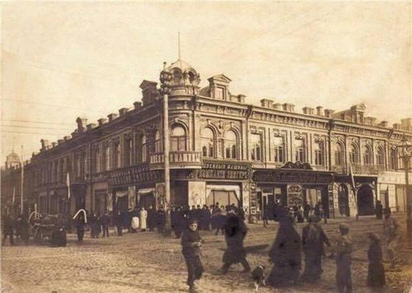 """На Подолі покажуть документальне кіно на підтримку проекту """"Будинок Новікова. 1893"""" (фото)"""