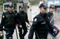 Неизвестные обстреляли ресторан в Стамбуле