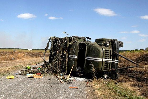 Обстрелянный грузовик под Иловайском