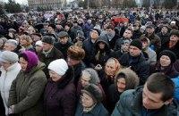 В Черниговской области люди требовали наказать милиционера за избиение беременной женщины