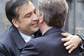 Саакашвили дал Ющенко орден