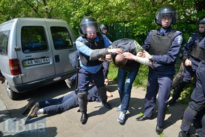 У музея ВОВ в Киеве милиция задержала 19 человек (обновлено)