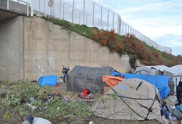 Художник Бенксі зобразив Стіва Джобса в образі біженця (фото)