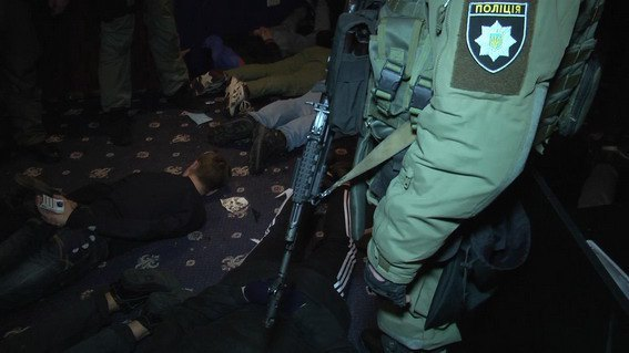 ВКиеве спецназ милиции задержал 27 налетчиков наигровые заведения