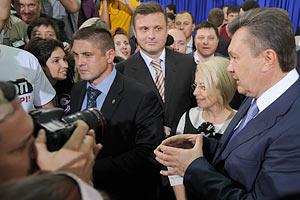 Янукович хочет от журналистов честного разговора