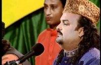 В Пакистане исламисты застрелили известного певца