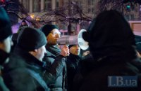 Яценюк призвал Януковича прекратить штурм Майдана