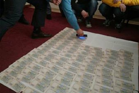 В Полтавской области главу райадминистрации поймали на взятке в $23 тыс.