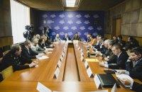 """МинАПК показало общественности претендентов на директора """"Артемсоли"""""""
