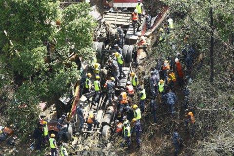 33 человека погибли вавтокатастрофе вНепале