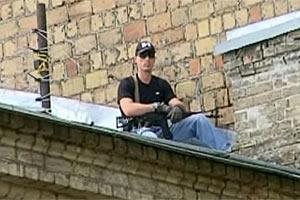На крыше Печерского суда дежурили снайперы