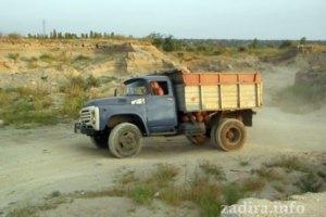 На водителя грузовика завели дело из-за избиения нардепа