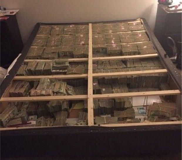 ВБостоне впроцессе обыска под матрасом отыскали $20 млн наличных