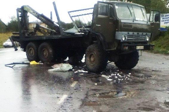 НаПрикарпатье автобус протаранил лесовоз: есть погибший ираненые