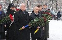 Оппозиция и Азаров встретятся на Аскольдовой могиле