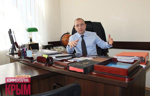 Лиев в своем бывшем симферопольском кабинете