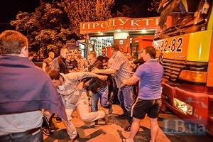 В Киеве устроили ночной рейд по сносу киосков