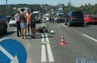 В ДТП на мосту Патона в Киеве погиб мотоциклист