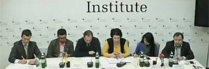 http://lb.ua/news/2016/02/12/327750_onlayntranslyatsiya_kruglogo_stola.html