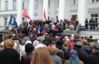 В Полтаве милиция и протестующие заключили союз