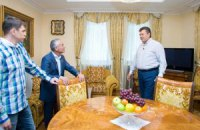 Янукович лидирует среди коллег по количеству резиденций
