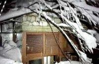 Число погибших при сходе лавины на отель в Италии выросло до девяти