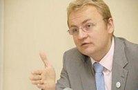 Эксперты УЕФА отметили прогресс в реконструкции аэропорта в Донецке и Киеве