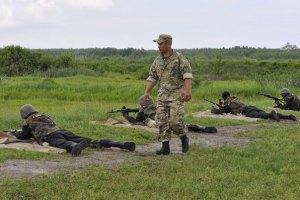Нацгвардия призывает Порошенко ввести чрезвычайное положение на Донбассе
