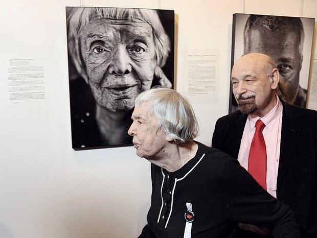 Валерий Борщёв и Людмила Алексеева на открытии политического арт-проекте в Москве