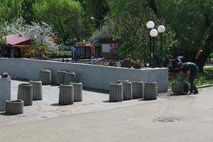 У Дніпропетровську встановлюють нові безпечні смітники