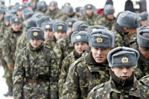 ВМинобороны обнаружили, что солдатам нехватает зимних шапок, курток ибелья