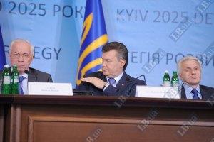 Янукович недоволен работой Азарова по размежеванию земель