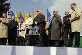 Оппозиция призывает Европу проследить за выборами