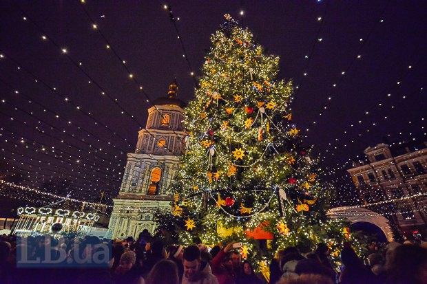 ВКиеве открыли главную елку страны