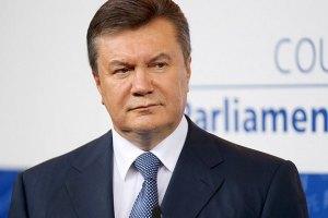 Янукович пожелал участникам регаты в Крыму попутного ветра
