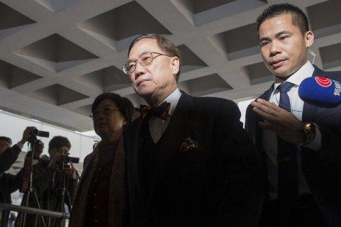 Экс-глава администрации Гонконга попал в тюрьму за коррупцию