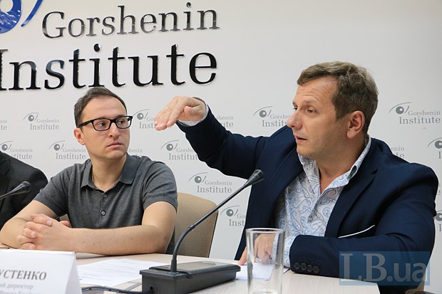 Олег Устенко(справа)