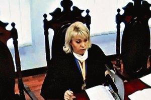 Власенко считает некомпетентной и зависимой судью по апелляции Тимошенко