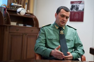 Захарченко отпросился у Януковича из отпуска на работу