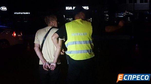 ВКиеве нетрезвый шофёр сбил 2-х копов