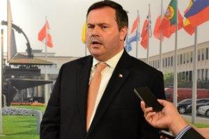 Канада готова поставлять Украине летальное оружие, но не станет действовать в одиночку, - министр обороны