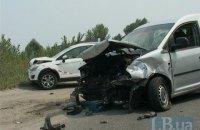 В лобовом столкновении на Кольцевой дороге в Киеве пострадали три человека