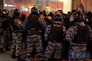 После столкновений под Святошинским судом госпитализированы 5 человек
