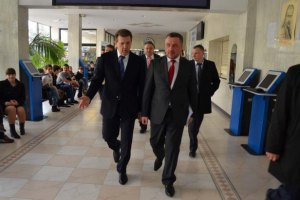 Бывший генпрокурор Махницкий защищает диссертацию у Кивалова