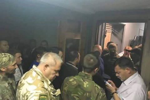 "Спецназ НАБУ защитил детективов при обыске по ""сахарному делу"""