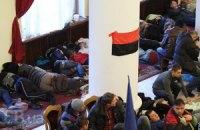 Исполнительная служба завтра огласит митингующим решение суда о запрете блокирования Кабмина и КГГА