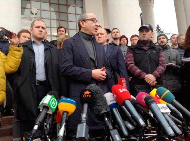 Кернес: президента в стране нет. Янукович - уже история